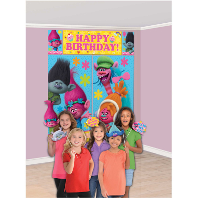 Trolls Happy Birthday Scene Setter & Props 17PK