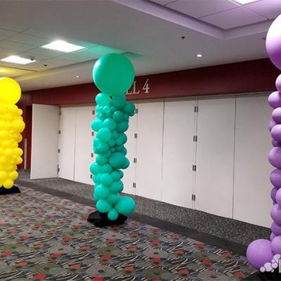 Organic Balloon Column with Large Around Latex Balloon